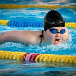 水泳で沈まないようにするにはどんな練習をすればいい?
